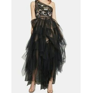 BCBGMAXAZRIA Embroidered One Shoulder Tulle Gown